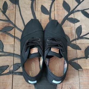 Tom's Black Casual Flat Sneakers Size 8 VGUC